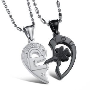 Couple pair pendant for romantic valentine present